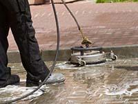 очистка тротуарной плитки по доступной цене в москве